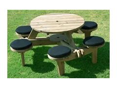 Circular Picnic Table (Spruce Timber)